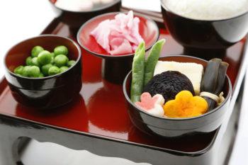 伝統的に基づいた、見た目にも綺麗な精進料理の進物用